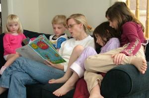 дети читают 1